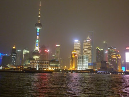 13. Shanghai by night.JPG