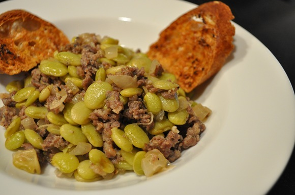 rustic lima beans with sausage and bread