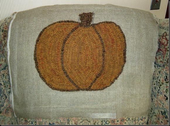 Pumpkin rug 2