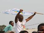 – Un des partisans de l'UDPS se dirigent vers le stade des martyrs le09/08/2011, pour assisté au meeting de leur leader Etienne Tshisekedi ,lors de son retour à Kinshasa. Radio Okapi/ Ph. John Bompengo