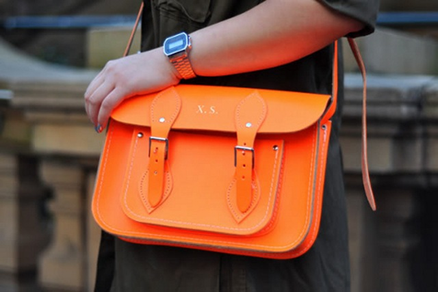 street-style-neon-orange-satchel-bag