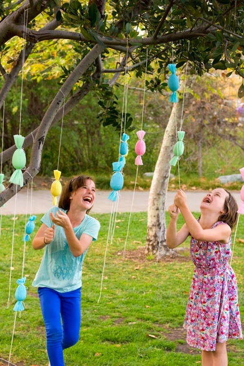 DIY-Egg-Popper-Tree