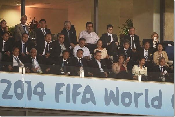 Governadora assiste ao jogo acompanhada da princesa do Japão, Takamado e Jérôme Valcke - Elisa Elsie (3)