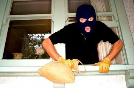"""Trộm cắp """"đương nhiên"""" phải thọ quả khổ"""