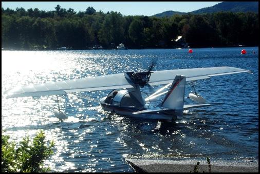 Seaplane fly in 069