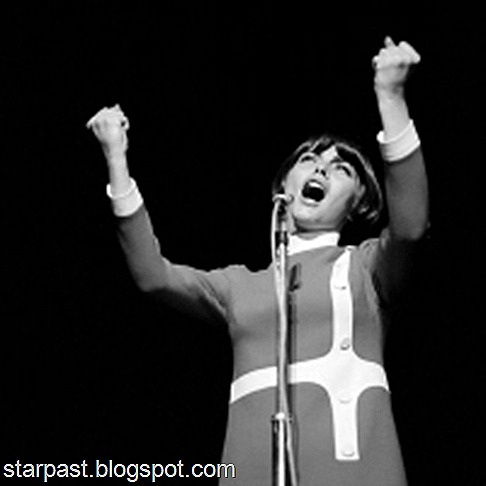 ARCHIVES : MIREILLE MATHIEU