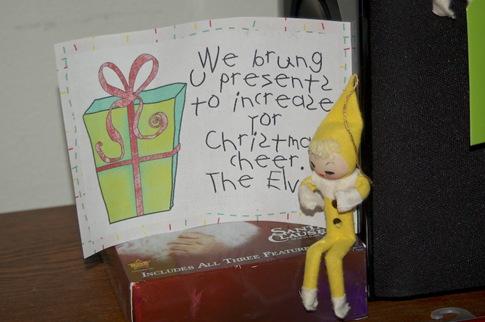 [2011_1201_Christmaselves42.jpg]