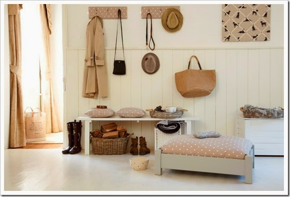 Country-Classic---Shropshire-Wooden-Dog-Bed-easy-living-26jul13_pr_b