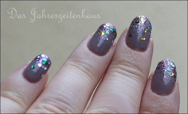 Glittery Tips 2