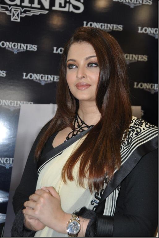 Beautiful Aishwarya Rai in Saree at Longines Watch Showroom Launch, Hyderabad