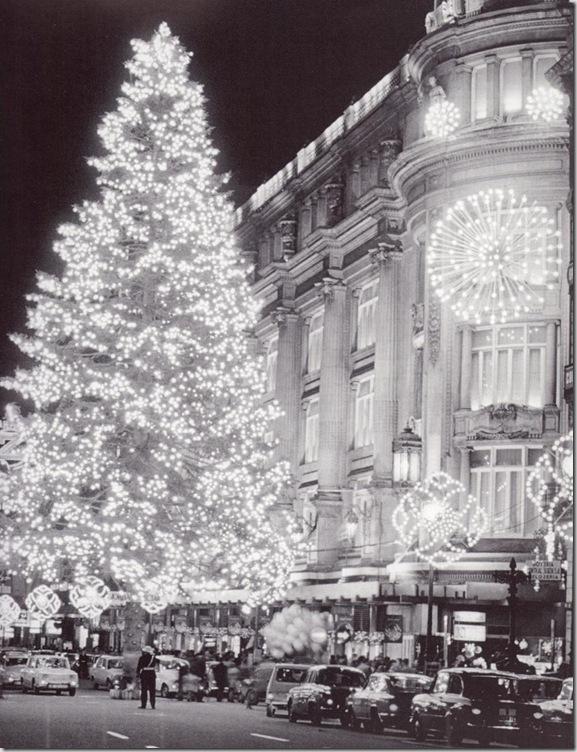 Edificio de Can Jorba, iluminación navideña. (Francesc Català-Roca)