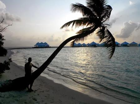 lucaderiublog.blogspot.com_athuruga_maldives_vray