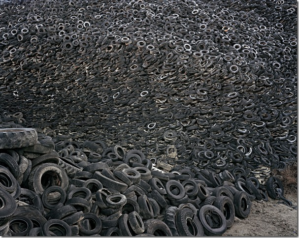 Edward Burtynsky, Oxford Tire Pile # 9ab, Westley,