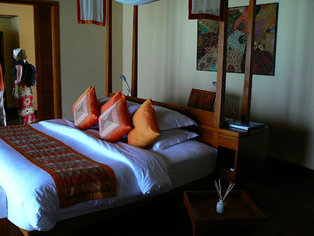 Maldives accomodation: The bedroom in a water bungalow