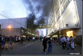 116446939MH009_RIOT_BREAKS_