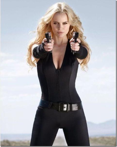 hot-women-guns-34