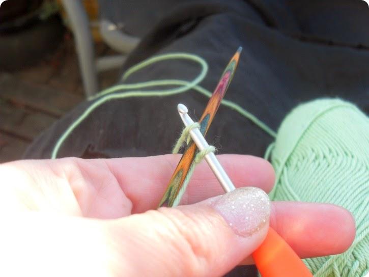 Hæklet opslagning på en strikkepind