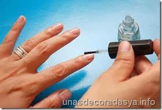 tips basicos para pintarse las uñas sin hacer desastres de esmalte paso a paso