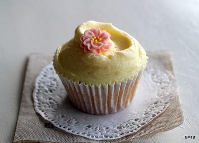 Bluebells cupcake