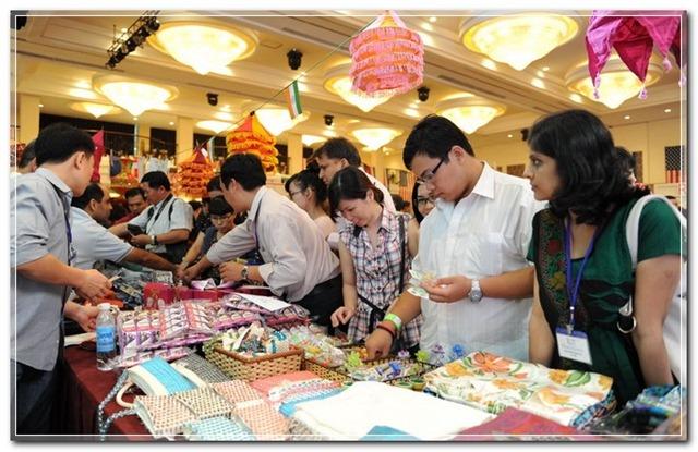 Hội chợ từ thiện lãnh sự