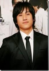 MBC 새 주말드라마 '하얀거탑'의 이선균<YONHAP NO-0406>
