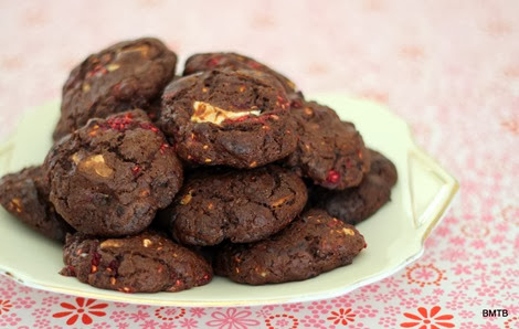 Raspberry Choc Chunk Cookies by Baking Makes Things Better (1)