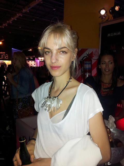 Naomi-praizler-baf-model-modelo-argentina-rubia-necklace-blonde