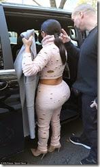 1412163411981_wps_78_Kim_Kardashian_leaving_he
