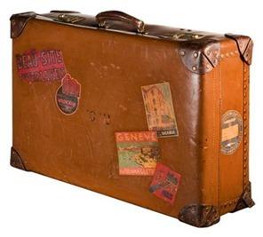 Vintage_Suitcase_-_V&M