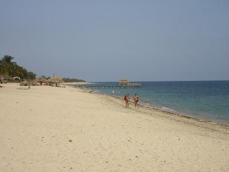 Obiective turistice Cuba: Plaja Ancon din Cuba