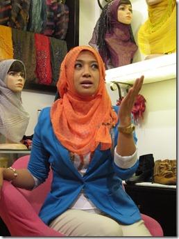 Fara Fauzana Bertudung-2