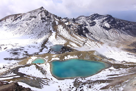 Tongariro Crossing - Lacurile de smarald.
