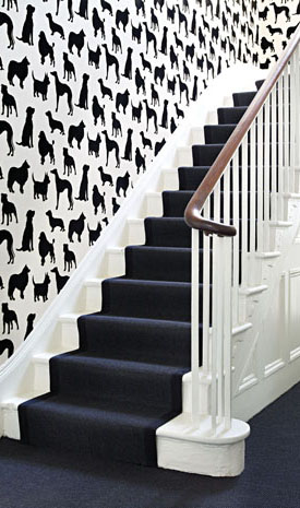 A witty O & L wallpaper featuring the different dog breeds so loved by Britons. (osborneandlittle.com)