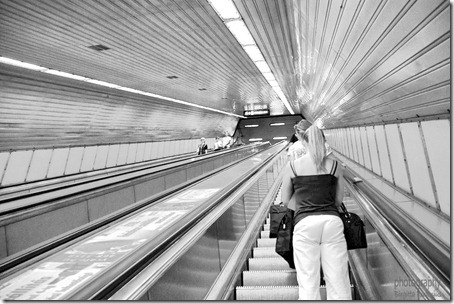 bw_20120814_escalator1