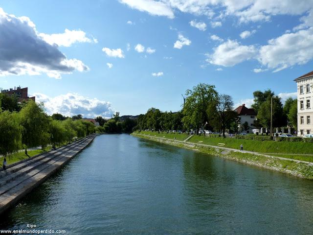 Río-Ljubljanica-orillas.JPG