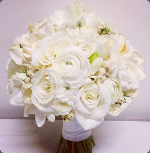 white natural beauties floral 1475888_10151984141304334_1363030716_n