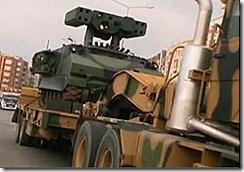 Material militar a caminho da fronteira com a Siria.Jun2012
