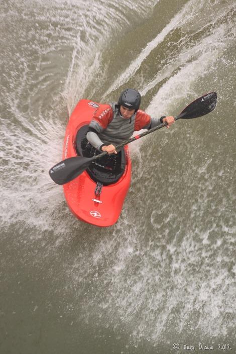 Julen Arrizabalaga riding the wave