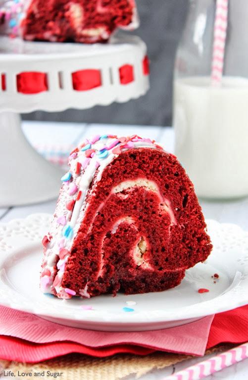 Red_Velvet_Cheesecake_Bundt_Cake