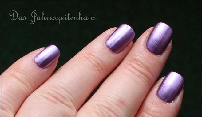 KIKO Mirror Nail Laquer 621 Violet 5