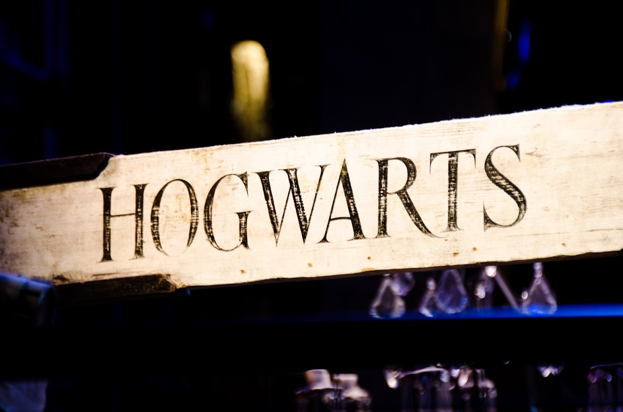 Hogwarts sign