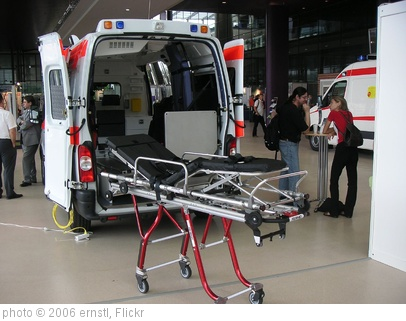'Dlouhy - ambulance' photo (c) 2006, ernstl - license: http://creativecommons.org/licenses/by-sa/2.0/