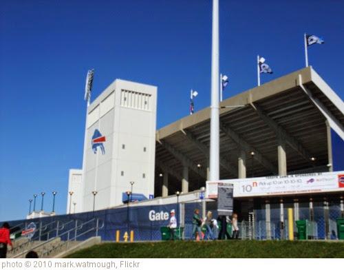'Ralph Wilson Stadium' photo (c) 2010, mark.watmough - license: https://creativecommons.org/licenses/by/2.0/