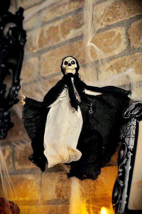 HalloweenMantle16
