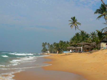Plaje exotice: plaja din Hikkaduwa Sri Lanka