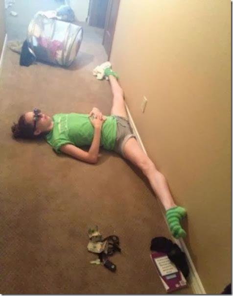 girls-stretching-yoga-037