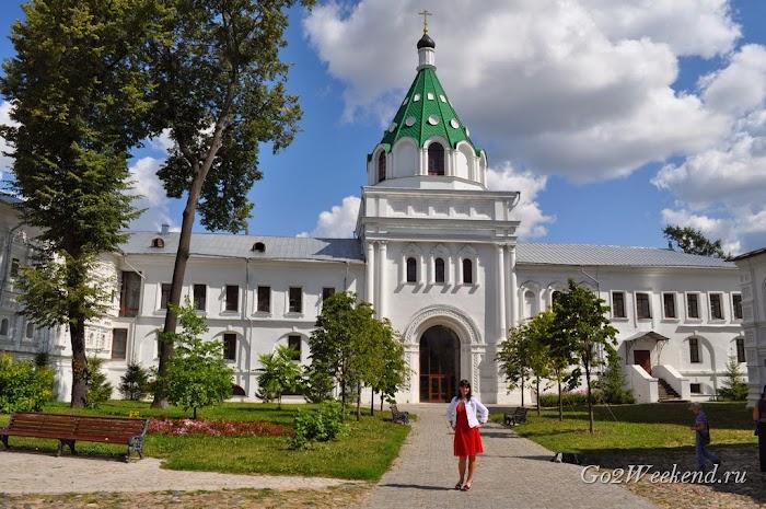 Kostroma_ipatievsky_monastery_3.jpg