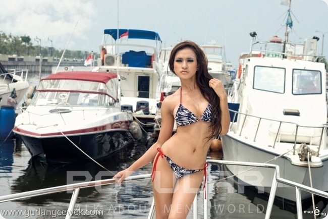 Model Hot Majalah Popular || gudangcewek.com
