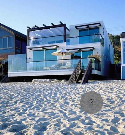 Casa contemporanea sulla spiaggia