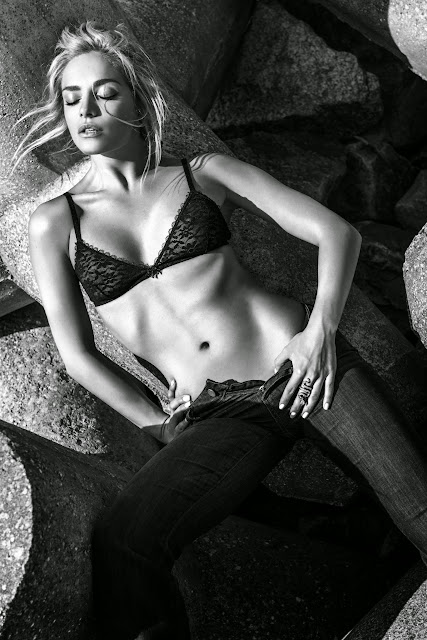 Tatana Kucharova Miss World 2006 Topless Bra panties Pictureshoot Sexy Babe Must see